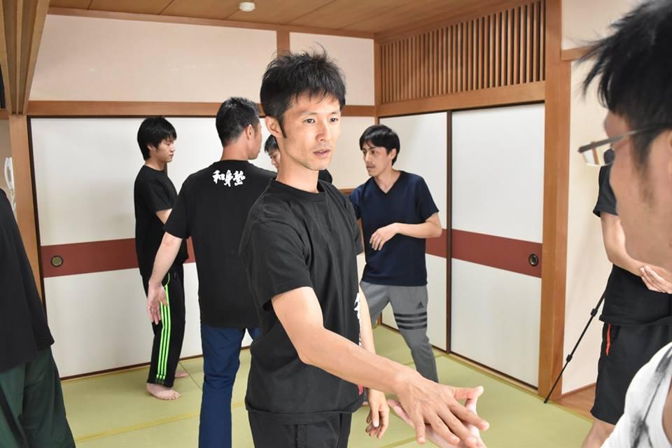 和身塾での稽古は心と身体を研ぎ澄まし人との関わり方を学ぶ場です。