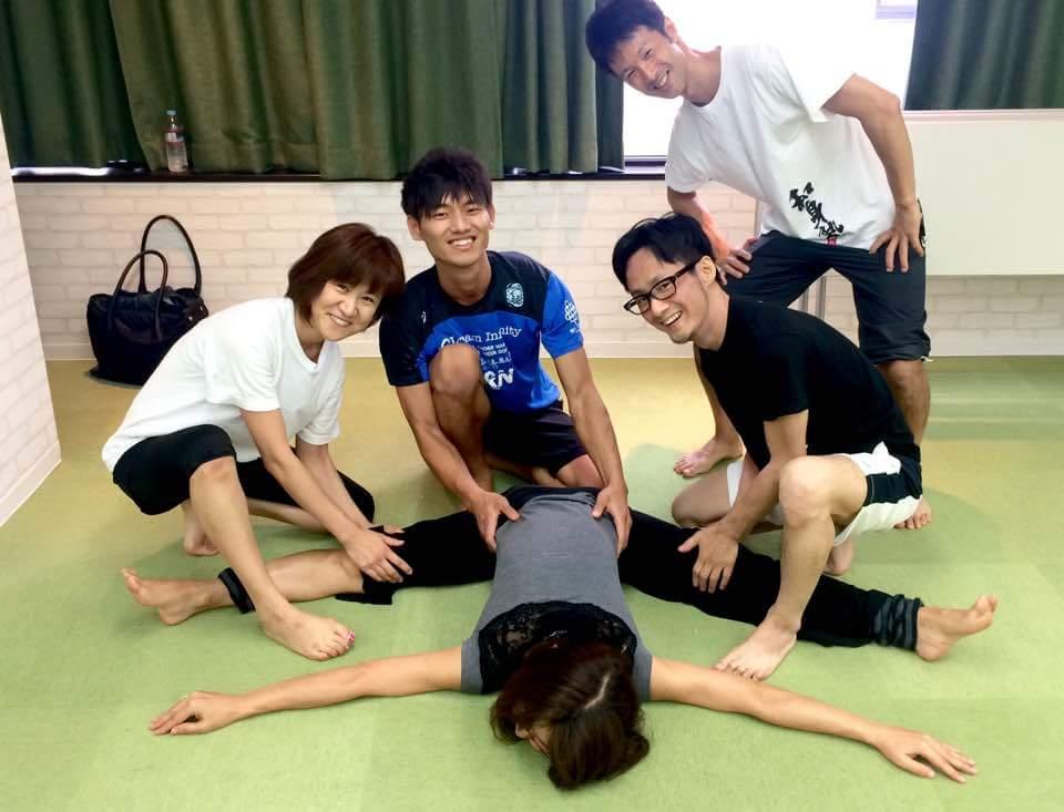 肘を伸ばすとO脚が改善される!?身体の使い方を学ぶ和身塾&身体プロフェッショナル講座に参加してきました!