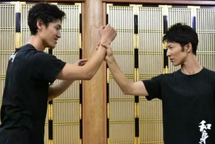【絶賛公開中!身体の使い方レベルアップ】筋力・体力に頼らない日本人ならではの身体の使い方とは!?